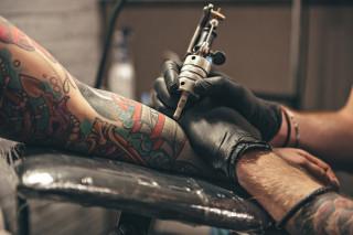 Afacere din arta: Salon de tatuaje