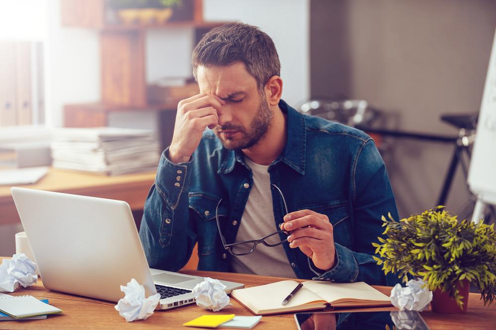 Dacă vedem un coleg care are simptomatologie cu răceală, trebuie să îl trimitem imediat acasă?