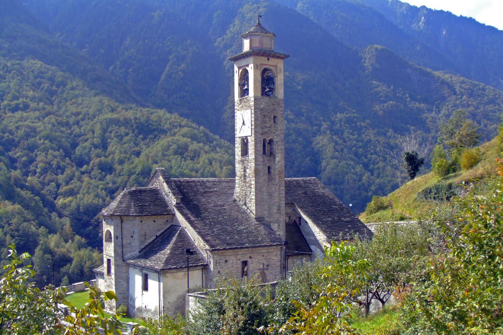 Borgomezzavallee