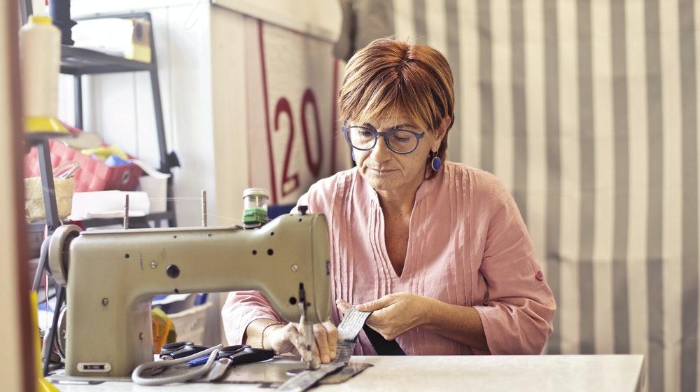 2. Fabricarea articolelor de îmbrăcăminte - 1.901 lei